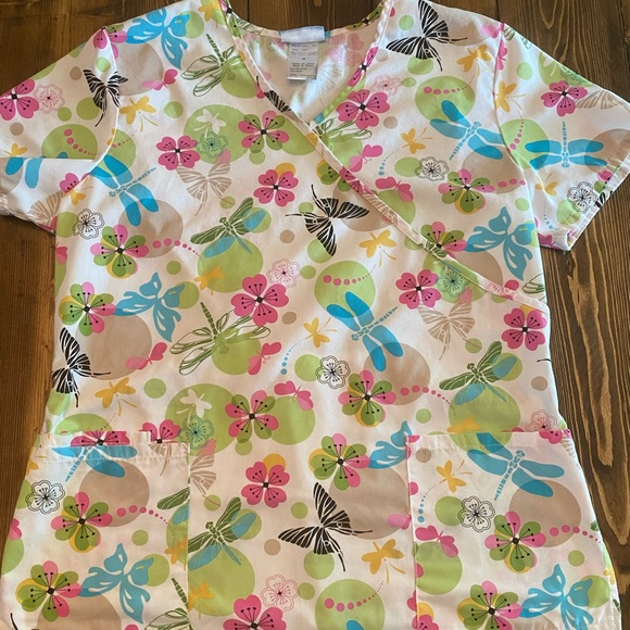 Butterfly print scrub top